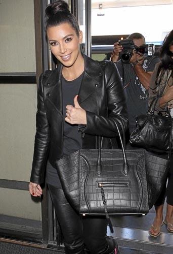 Kim-kardashian-et-son-Celine_portrait_w674