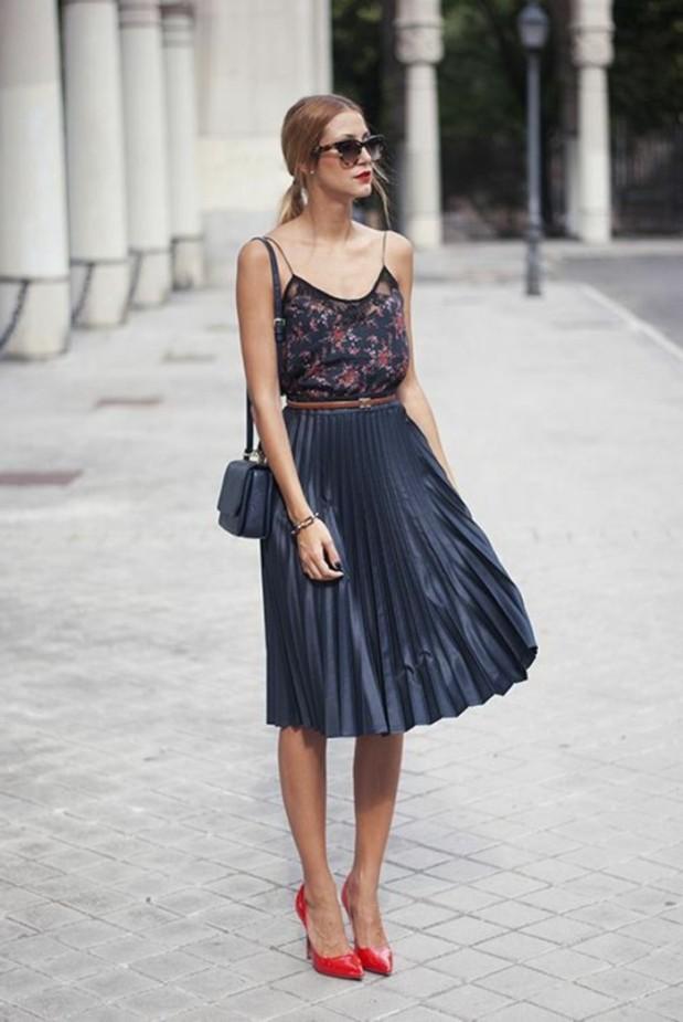 jupe-mi-longue-grise-plissee-femme-chic-talons-rouges-mode-tendances-2016